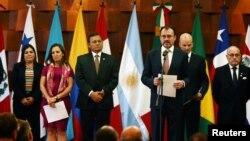 El ministro de Relaciones Exteriores de México, Luis Videgaray, habla a la prensa durante una reunión del Grupo de LIma en México el 14 de mayo, de 2018.