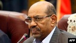 Tổng thống Sudan Omar al-Bashir đang bị Tòa án Hình sự Quốc tế ICC truy nã về các cáo buộc về tội ác chiến tranh ở vùng Darfur.