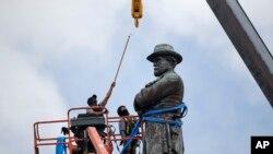 مجسمه ژنرال رابرت لی