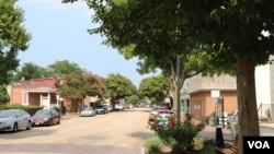 维吉尼亚州史密斯菲尔德镇的主要街道(美国之音龚小夏拍摄)