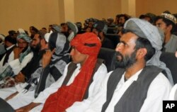 مخالفین پیوسته به پروسه صلح کمک های حکومت افغانستان را دریافت نمودند