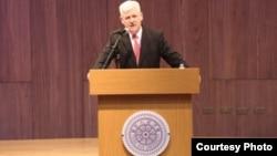 美国在台协会处长马启思在台湾清华大学发表讲话。(美国在台协会网站)