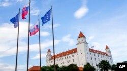 Avrupa Birliği'nin 27 üyesinin devlet ve hükümet başkanları Slovakya'nın başkenti Bratislava'da bir araya geliyor.