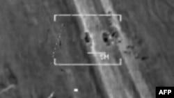 Las primeras informaciones sugieren que los ataques tuvieron éxito en la destrucción de los vehículos blindados.