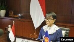 Menteri Luar Negeri Retno Marsudi menghadiri ASEAN Ministerial Meeting yang dilangsungkan secara virtual, Kamis 10 September 2020. (Courtesy foto : Kemlu RI. )