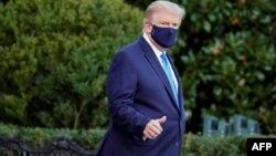 صدر ٹرمپ کو جمعے کے روز ہیلی کاپٹر کے ذریعے وائٹ ہاؤس سے قریبی فوجی اسپتال منتقل کیا گیا ہے۔
