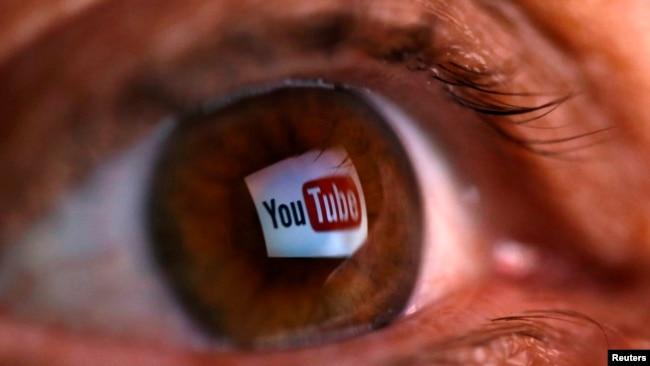 """Việt Nam đầu năm nay đã """"bắt đầu gây áp lực cho các công ty quảng cáo trong nước"""" yêu cầu công ty Google phải gỡ các video của các nhà bất đồng chính kiến hoạt động ở hải ngoại đăng trên trang YouTube."""