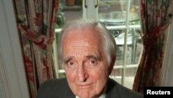 Douglas Engelbart, photographié en 1997, n'a guère profité de son invention