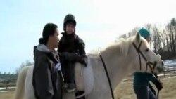 Əlillərə yardım terapiyasl-Hippoterapiya