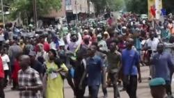 Des centaines de manifestants protestent contre les résultats des élections au Mali