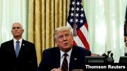 پرزیدنت ترامپ، رئیس جمهوری آمریکا، و مایک پنس، معاون رئیس جمهوری آمریکا