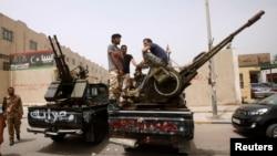 Chính phủ trung ương Libya không có đủ khả năng để kiểm soát hàng vạn dân quân hoạt động trên khắp nước.