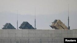 지난 2013년 4월 한국 오산의 미 공군기지 외곽에서 촬영한 미 육군 소속 패트리어트 지대공 요격 미사일. (자료사진)