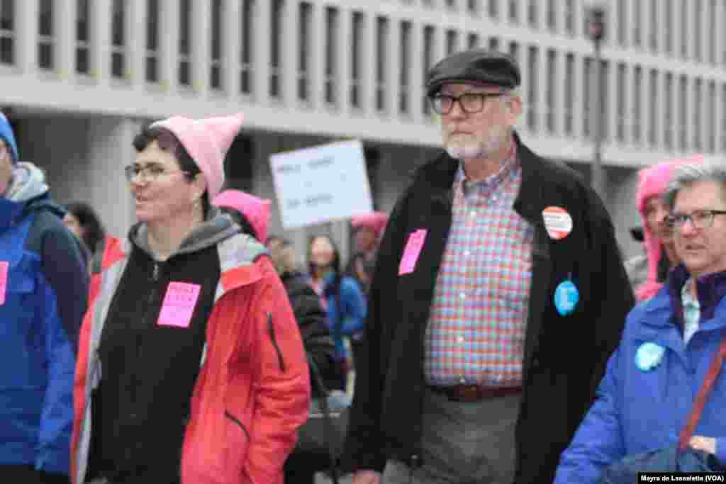 Marcha da Mulher, um movimento contra a presidência de Donald Trump. Milhares estão em Washington DC para demonstrar a sua insatisfação e apoio a Hillary Clinton e aos direitos das mulheres