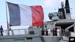 停靠在关岛准备参加2017年联合军事演习的法国护卫舰 - 资料照片
