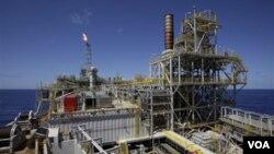 Analistas creen que una subida excesiva del petróleo en vez de ayudar dañaría la economía de Brasil.