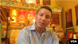 Ang Geljen Sherpa, president of the United Sherpa Association. (Adam Phillips/VOA)