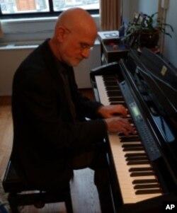 Manhattan School of Music President Robert Sirota