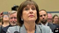 Visoka zvaničnica američke Poreske službe Lois Lerner tokom pretresa u Kongresu