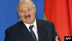 Belarus prezidenti Aleksandr Lukaşenko bütün siyasi məhbuslarına azad ediləcəyinə vəd verib