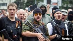 在东乌克兰城市顿涅茨克的亲俄分离分子