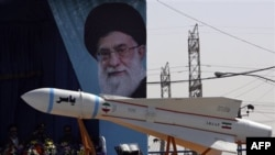 Ekspertlər sanksiyaların İran iqtisadiyyatını zəiflətdiyini deyir