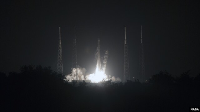 spacex-on-its-way-to-iss