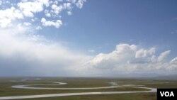 新疆著名景區巴音布魯克大草原,開都河上游「九曲十八彎」美景