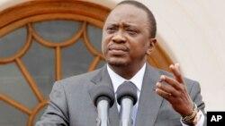 Le président Uhuru Kenyatta parle du voyage du président américain Barack Obama, au cours d'une conférence de presse, Nairobi, le 21 juillet 2015.