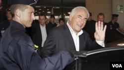 El escritor afirma que el libro está basado en varias entrevistas con Strauss-Kahn, quien fue absuelto de los cargos.