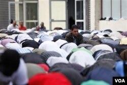 Džamije se možda bolje bore protiv radikalizma od organa za provođenje zakona