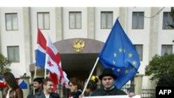Freedom House: показатель свободы СМИ в Грузии улучшился