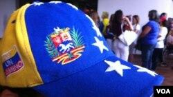 Los venezolanos radicados en el sureste de Estados Unidos han votado al menos en un 95% por Henrique Capriles. [Foto: Jesús Acosta, VOA]