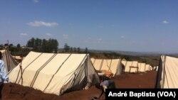 Idosa faz fogo no campo de deslocados de Vanduzi