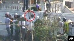 Hai phóng viên của đài Tiếng nói Việt Nam bị đánh đập trong khi những người này theo dõi vụ cưỡng chế thu hồi đất ở tỉnh Hưng Yên cách nay hai tuần