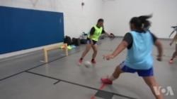 明尼苏达州非营利组织为女孩足球提供公平的比赛场地