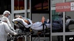 Một bệnh nhân bị nghi nhiễm COVID-19 ở Brazil.