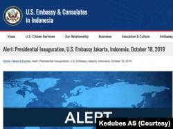 Peringatan yang dipasang di situs Kedubes AS menjelang pelantikan Presiden dan Wapres