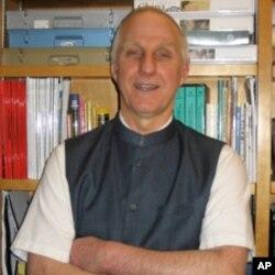 宾州大学教授梅维恒