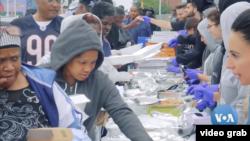 Bantuan pangan untuk tuna wisma di Detriot. (Foto: videograb)