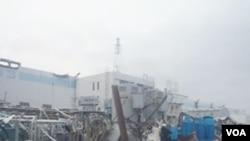 Funcionarios de TEPCO dijeron que están reforzando las conexiones para bombear agua a los reactores de la planta y los estanques de enfriamiento de la planta de Fukushima.