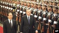 중국을 방문 중인 레제프 타이이프 에르도안 터키 총리 (오른쪽)와 원자바오 총리