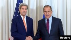 John Kerry rencontre son homologue russe Sergei Lavrov à Genève, Suisse, le 26 août 2016.