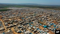 Табір біженців з Сирії на кордоні з Туреччиною