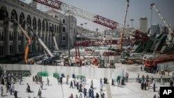 سقوط این جرثقیل، دو سال پروژه بازسازی مسجد الحرام را به تاخیر انداخته بود.