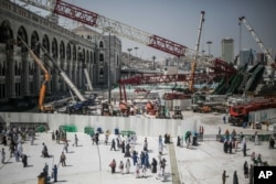 Mideast Saudi Crane Collapse