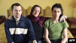 Шэйн Бауэр, Сара Шрауд и Джош Фаттал