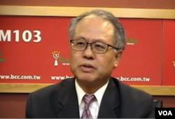 健行科技大学企管系教授颜建发(美国之音视频截屏)