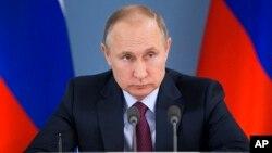 Popularitas Presiden Vladimir Putin turun menjelang pemilu Rusia (foto: ilustrasi).