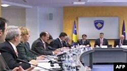 Kosovë, partnerët e koalicionit dakord për ndryshime në kabinet